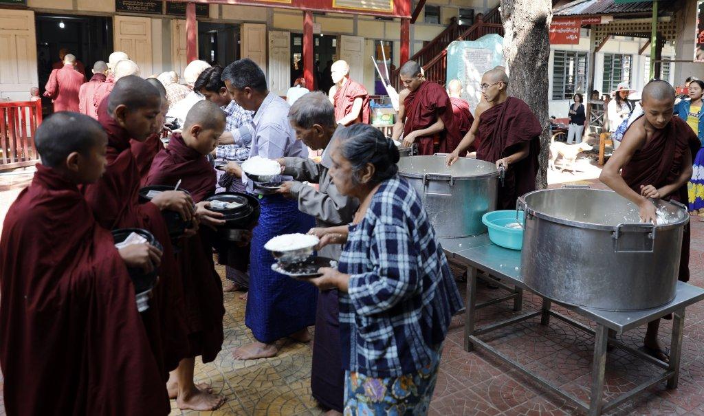 Monks receiving food, Maha Ganayon Kyaung Monastery