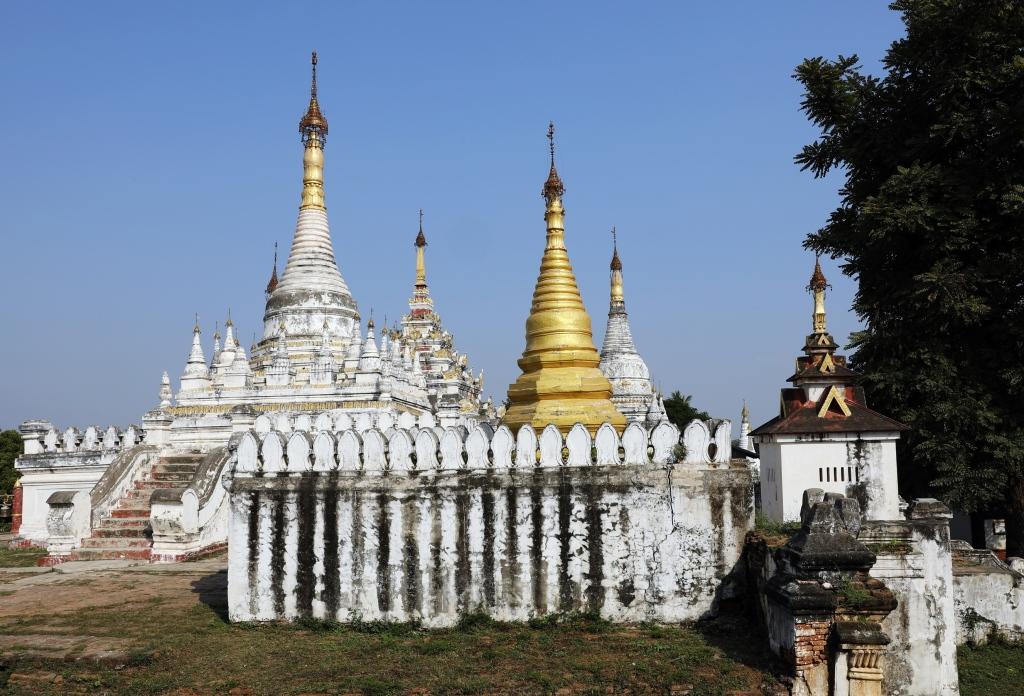 Pagodas, Maha Aungmya Bonzan monastery
