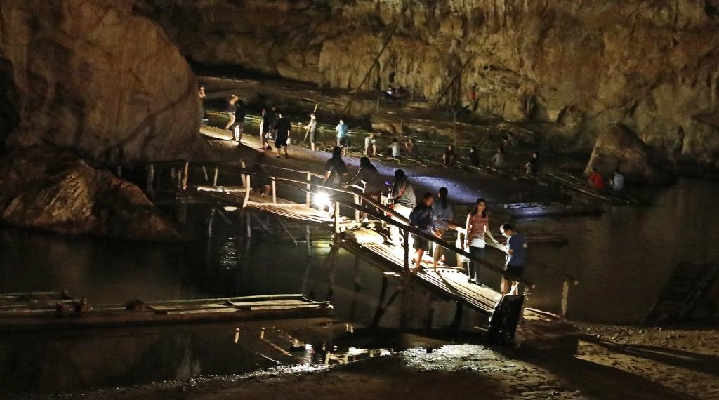 Lod Cave, Pai