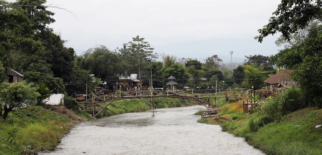 Bamboo bridge crossing Pai River