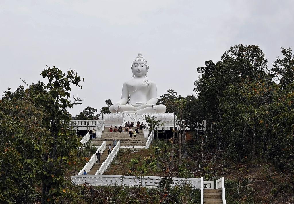 White Buddha, Pai