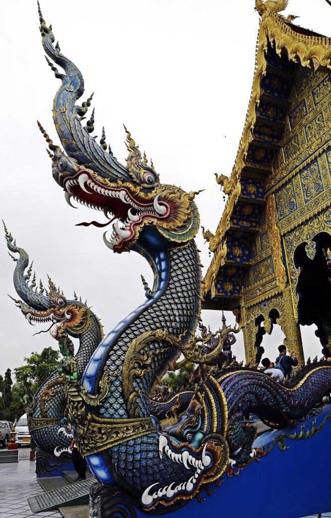 Nagas. Blue Temple, Chiang Rai